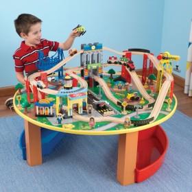 Trenuleț din lemn City Explorer și masă de joacă - KidKraft