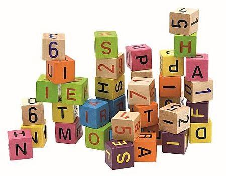 Cuburi colorate cu cifre si litere Woody